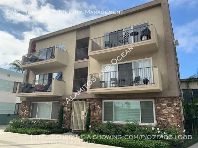 Charming 2 bed/1.5 bath condo CLOSE to the beach