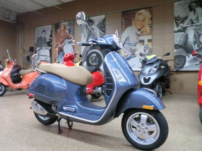 2018 Vespa GTS 300 ABS ASR 250 - 500cc Scooters Downers Grove, IL