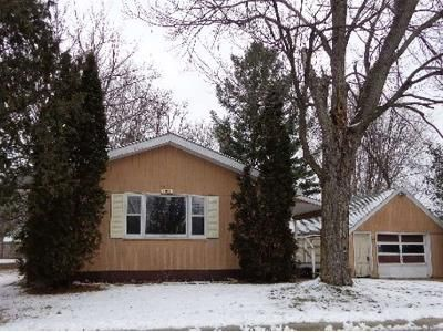 2 Bed 1 Bath Foreclosure Property in Shawano, WI 54166 - W 2nd St