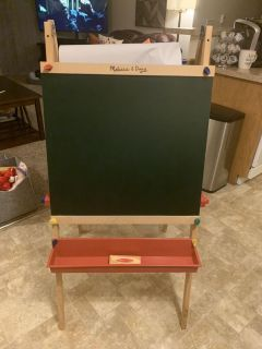 Melissa and Doug Easel. Excellent Condition. Retails 63.99.