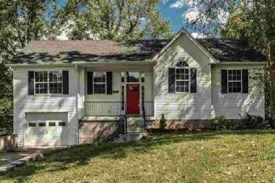 105 Aztec Ct White House Five BR, Move in ready!