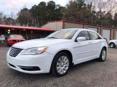 2012 Chrysler 200 LX (WHI)
