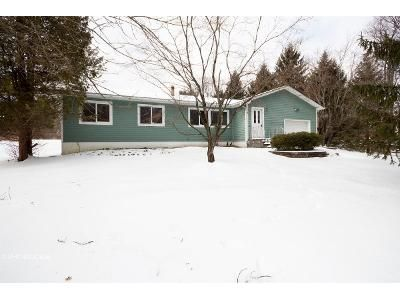 3 Bed 2 Bath Foreclosure Property in Chester, NY 10918 - Gibson Hill Rd