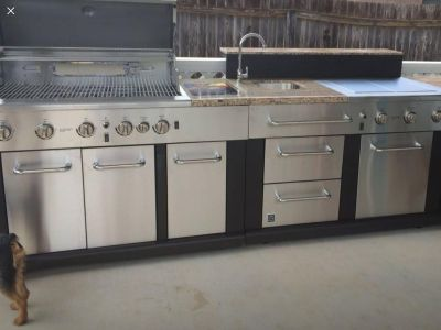 2 years patio kitchen set ( grill , sink , 2 stoves )