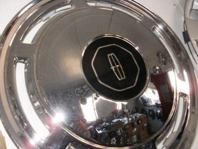 """Purchase CHROME LINCOLN TOWN CAR CONTINENTAL LIMOUSINE WHEELCOVERS HUBCAPS 15"""" motorcycle in Chattanooga, Tennessee, United States, for US $100.00"""