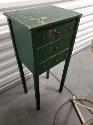 Small 3 drawer table