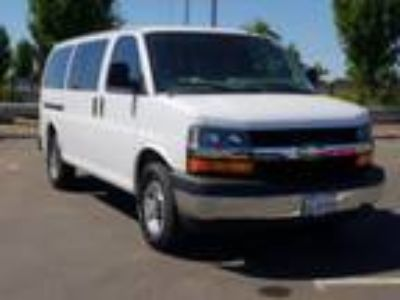 2017 Chevrolet Express 3500 LT