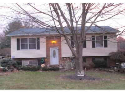 3 Bed 2 Bath Foreclosure Property in Sykesville, MD 21784 - Monroe Ave