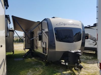 2019 Forest River Rockwood Signature Ultra Lite 8327SS