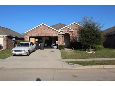 3 Bed 2 Bath Preforeclosure Property in Fort Worth, TX 76134 - Summer Stream Dr