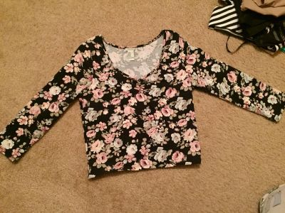 Stretchy floral top size M