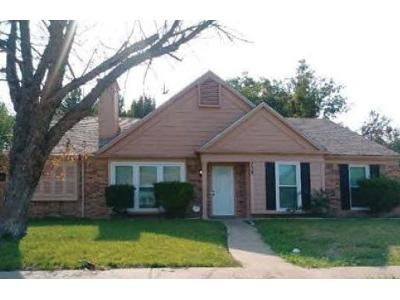3 Bed 2 Bath Foreclosure Property in Lancaster, TX 75146 - Sewell Dr