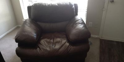 Gallery Furniture Leather Chair
