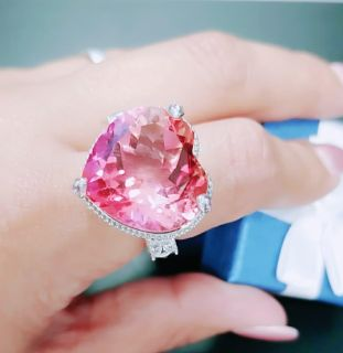 Adorable Heart Shaped Sunsent Quartz and Sapphire Ring Size 8!