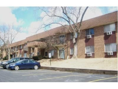 2 Bed 1.5 Bath Foreclosure Property in Woodridge, IL 60517 - 83rd St Apt E20