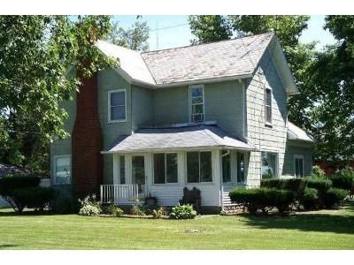 4 Bed 2 Bath Foreclosure Property in Hicksville, OH 43526 - County Road 15