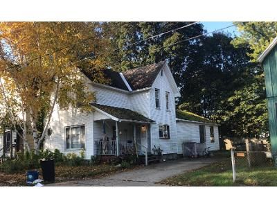 3 Bed 1.5 Bath Preforeclosure Property in Gloversville, NY 12078 - Thompson Ave