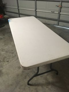 6 ft party table