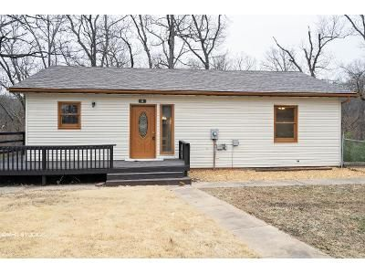 3 Bed 3 Bath Foreclosure Property in Montreal, MO 65591 - Thousand Oaks Rd