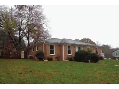3 Bed 2.0 Bath Preforeclosure Property in High Point, NC 27265 - Briarcliff Dr
