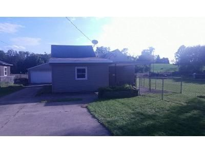 1 Bed 1 Bath Foreclosure Property in South Beloit, IL 61080 - Clark St