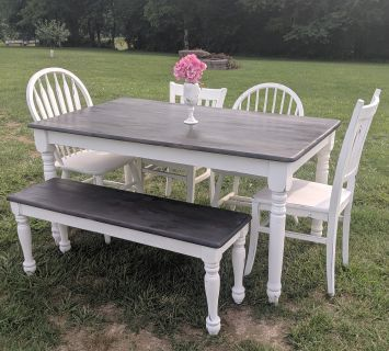 Farmstyle Dark Stained Country White Matching Table and Bench Set