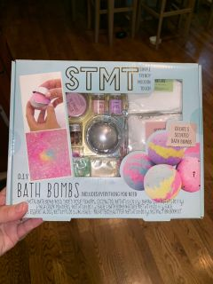 DIY Bath Bomb Kit: Summer Arts and Crafts