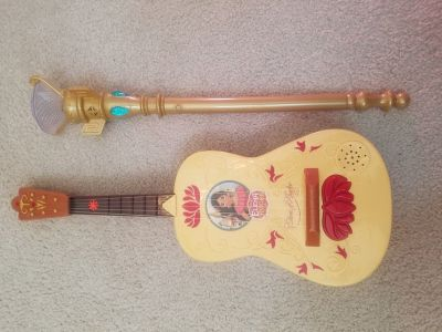 Elena of Avalor guitar and light up scepter