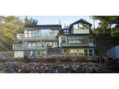 Inn for Sale: Beachside Villa Luxury Inn