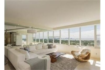 Magnificent Furnished Apartment in Millionaire Row - Miami Beach.