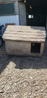 Fully insulated dog house 4' x 3'