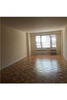 1 Bed / 1 Bath in Forest Hills, Queens.