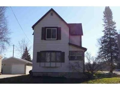 3 Bed 1 Bath Foreclosure Property in Fond Du Lac, WI 54935 - Marys Ave