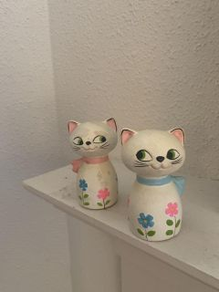 Vintage salt and pepper shakers cats
