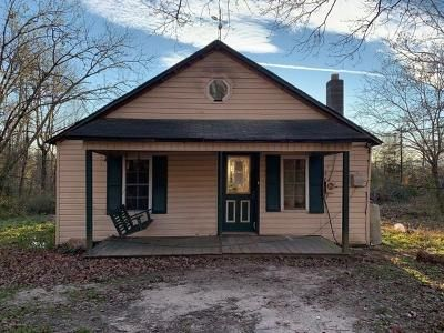 2 Bed 1 Bath Foreclosure Property in Boomer, NC 28606 - Boomer Rd