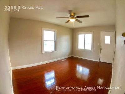 Rare Bay View 4br 1.5ba Single family near Humboldt Park!