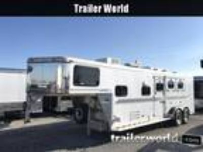 2001 Sundowner Living Quarters 3 3 horses