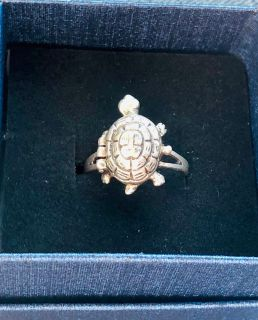 Sterling Silver Ring w/Turtle Locket