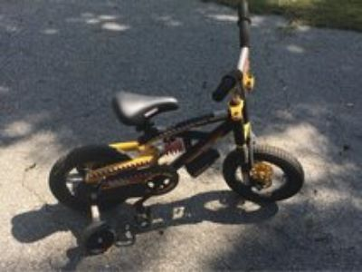 Kids bike w/ training wheels