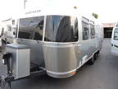 2013 Airstream International 23D Signature