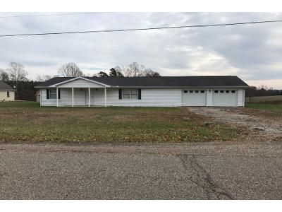 3 Bed 2 Bath Preforeclosure Property in Little Hocking, OH 45742 - Hocking Rd