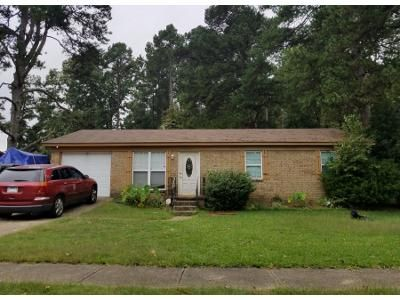 1 Bath Preforeclosure Property in Little Rock, AR 72205 - Romine Rd