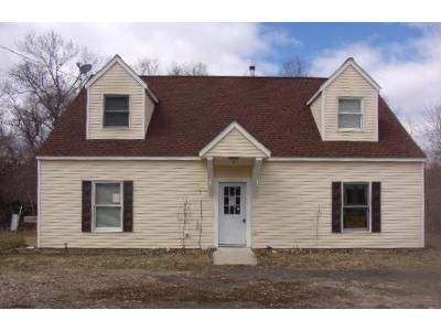 4 Bed 2 Bath Foreclosure Property in Westport, NY 12993 - Sisco St
