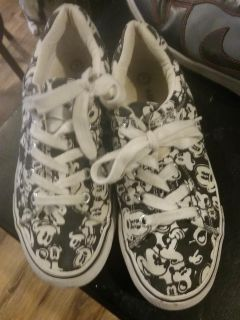 Disney Mickey mouse shoes size 7