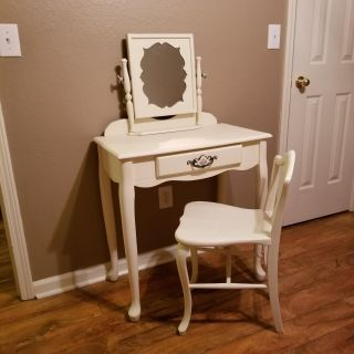 Antique White Solid Wood Desk Vanity with Chair