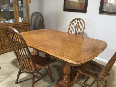 Dining table with 2 leaves, 6 chairs