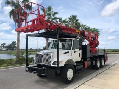 2006 Elliott H90R Mounted On a 2006 International 7400 Chassis-END OF YEAR SALE PRICE $110,500.00