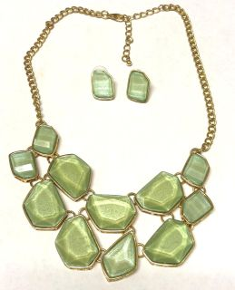 Green Statement Necklace & Earring Set Jewelry