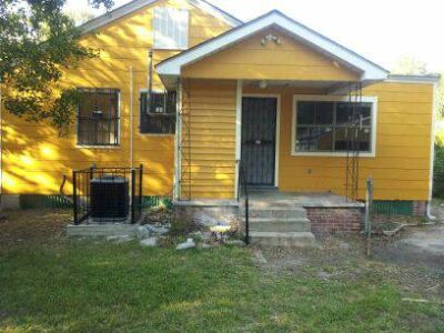 x0024900 3 BED RM HOUSE (FOR RENT) NEW PAINT  CENTRAL AIR HEAT (BATON ROUGE)