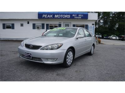 2005 Toyota Camry Standard (silver)
